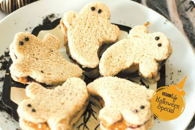 halloween sandwich ghosts peanut butter jam party spread