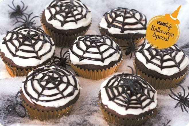Halloween Special: Spider Web Cupcakes