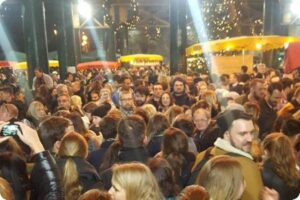 Free London Cheese Festival Descended into Chaos Due to Overcrowding and Protesting Vegans 6