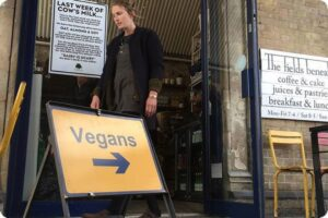 Update: London Café that ditched dairy now goes fully vegan! 11