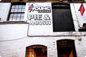 London's First Vegan Pie And Mash Shop Opens 5