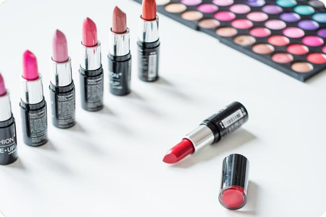 9 of the Best Natural Vegan Lipsticks