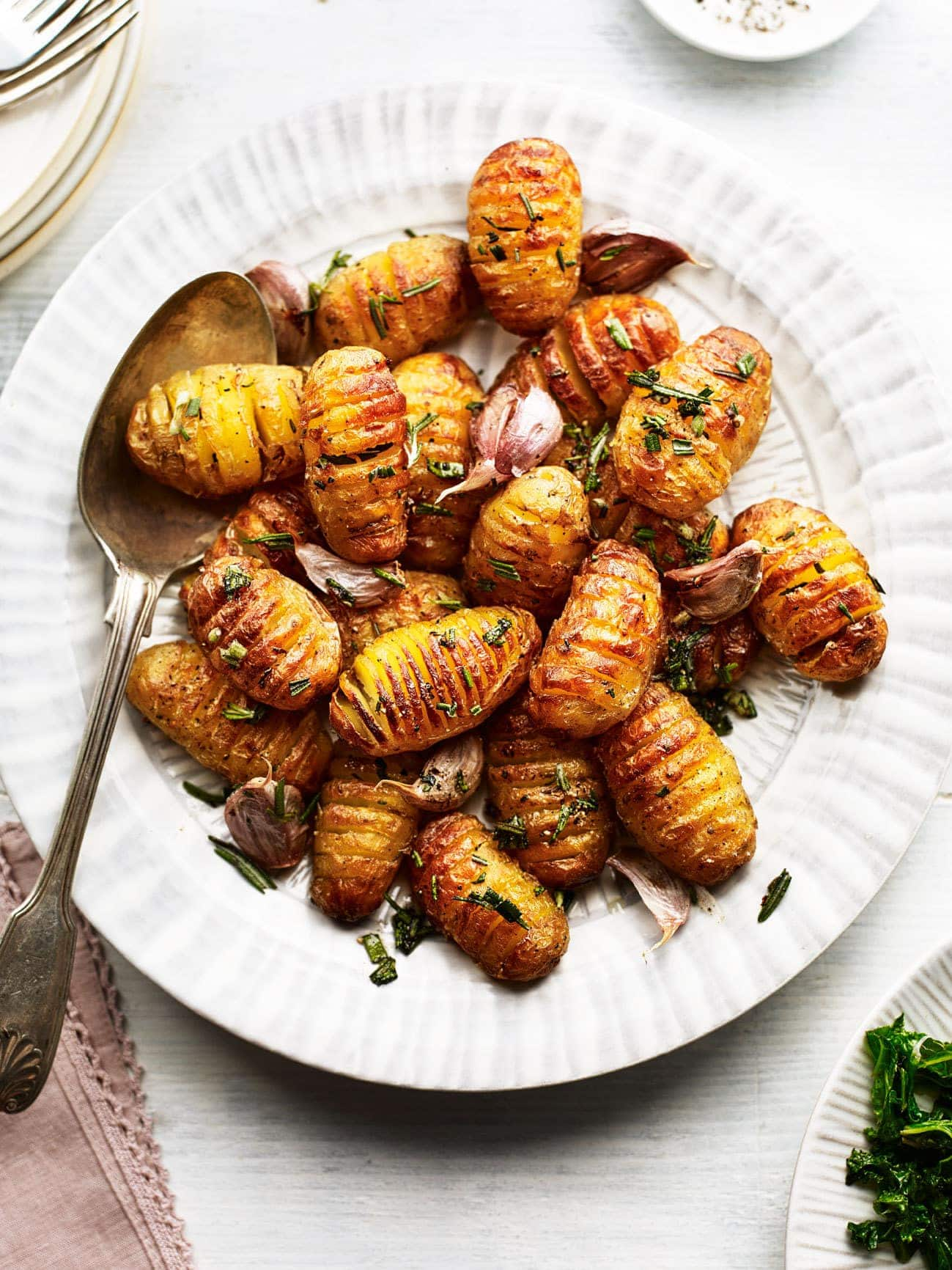 Mini Hasselback Potatoes with Rosemary and Garlic 1