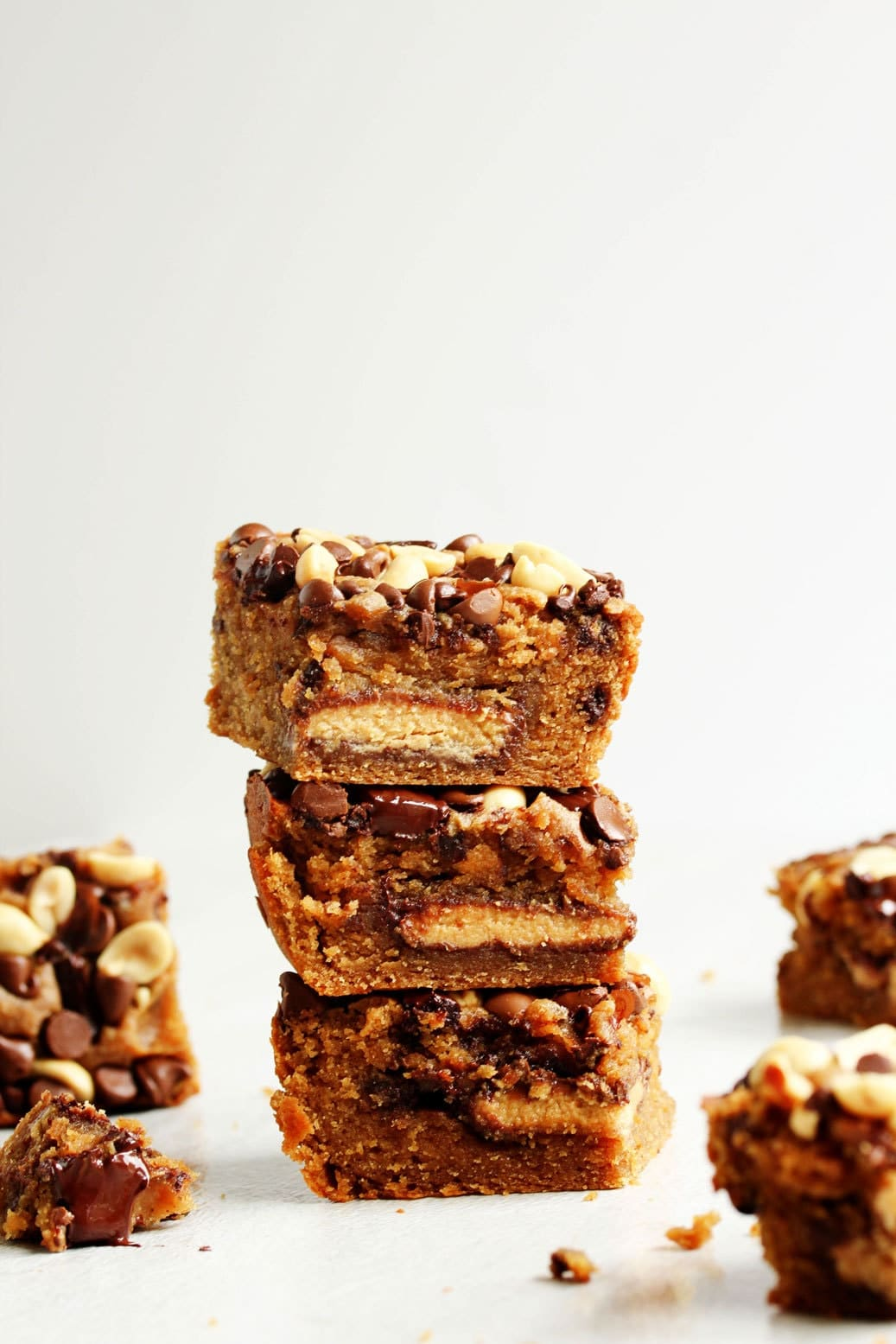 Peanut Butter and Chocolate Chip Blondies 1