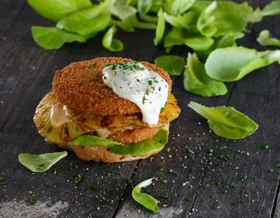 Tooti Frooti Chicken-Style Burger 1