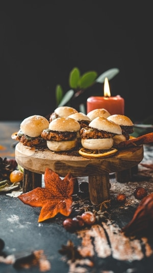 Burger Sliders with Cheese & Red Onion 1