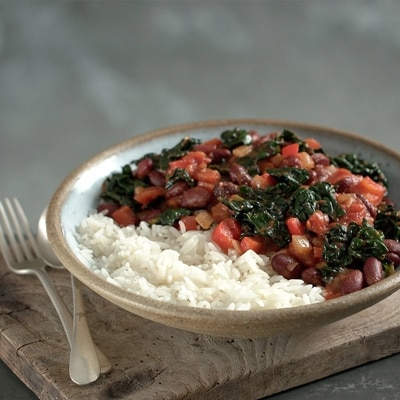 Mexican Vegetable Chilli with Spicy Kale Crisps 1