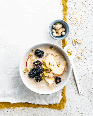 Oatmeal with apple 1