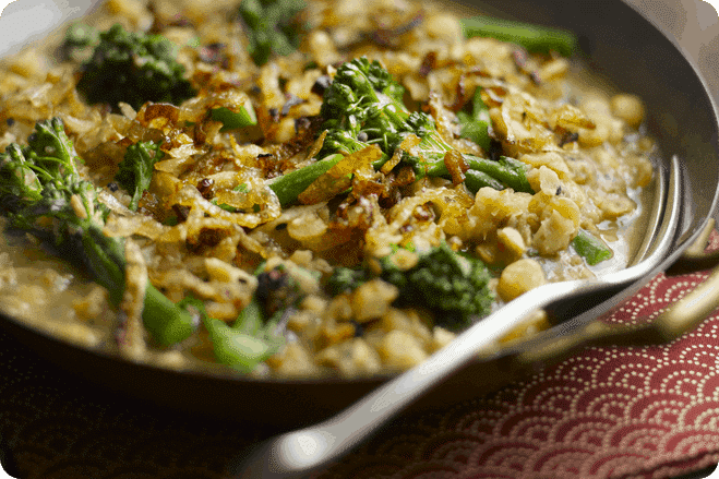 Tenderstem® Bengali Split Pea Curry with Caramelised Shallots
