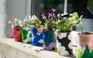 5 craft ideas to reduce your household waste